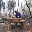 風倒木で作業台