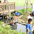 子ども水場今年も大賑わい