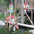 子ども水場に三脚水車