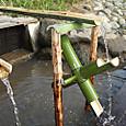 竹の水車設置
