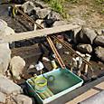 こども水場/魚水槽に竹樋